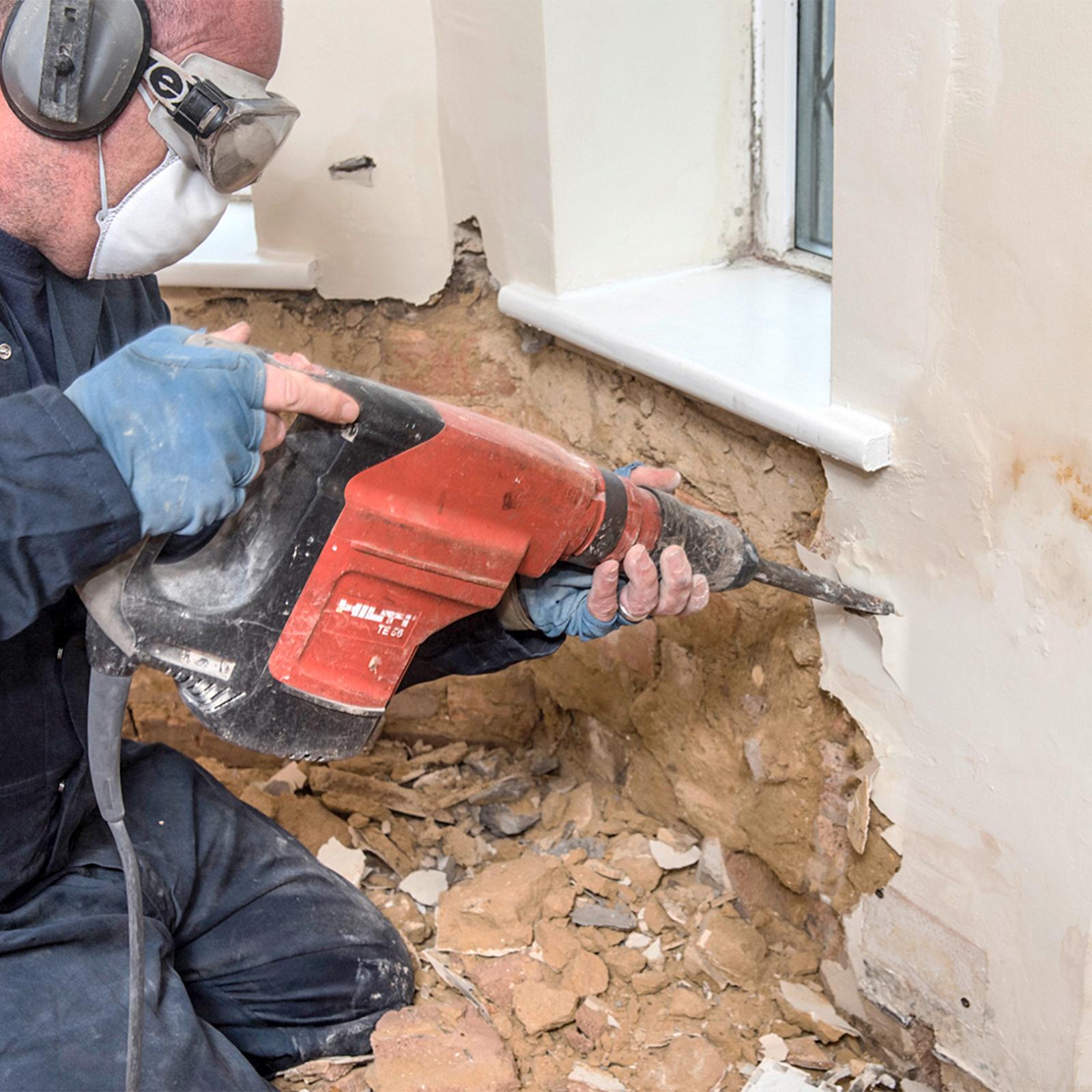 maschine putz entfernen: monsterhaus ziegelgewölbe putz restlos