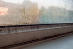Kondensat am Fenster