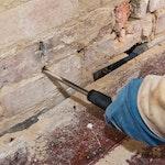Jeglichen überschüssigen Schutt mit dem Dryzone System Bohrloch Cleaner entfernen