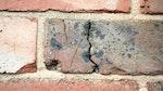 'Nasse Wände: Ursache eindringende Nässe'